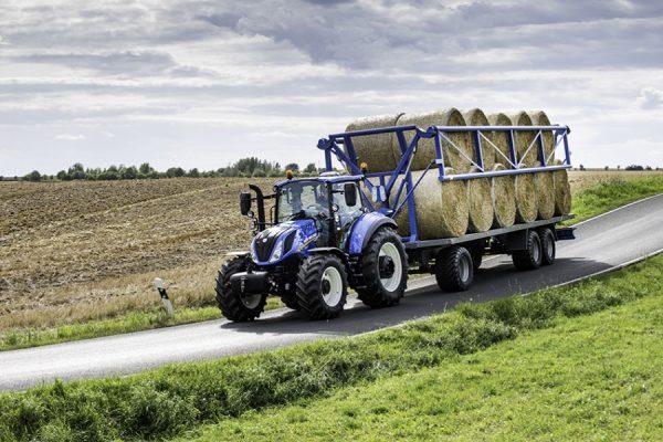 New Holland Traktor T5. EC